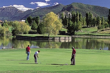 GOLF WITH MOTORHOME IN LOMBARDY